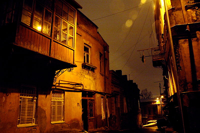 800px-Streets_of_Tbilisi_@_night_-1